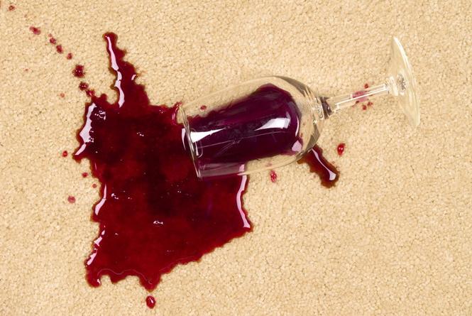 Удалить пятна крови в домашних условиях
