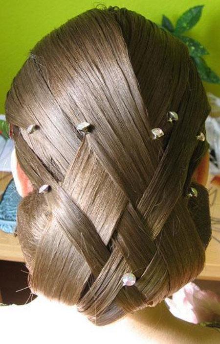 Вечерние прически с цветами из волос фото