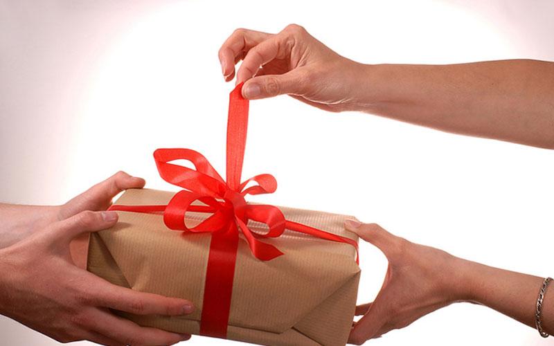 Вручение подарков необычное 48