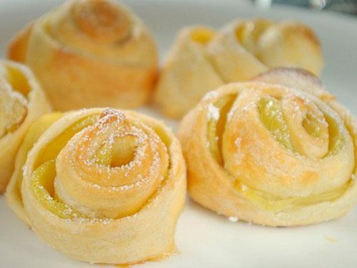 пирожки из слоёного теста рецепты с фото в духовке